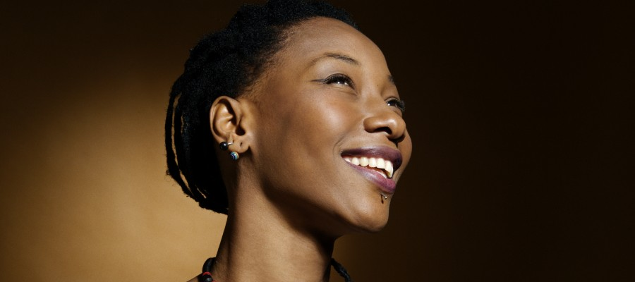 ©Youri Lenquette. France. Paris. 12/2010.  Fatoumata Diawara.
